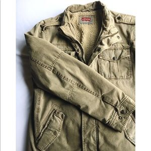 Levi's Men's Military jacket with Sherpa lining